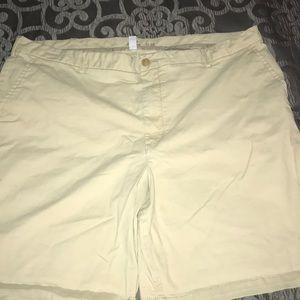 Izod shorts 42 waist